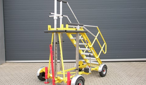 Fixed Height Stand with Flexible Railing System (FRS)