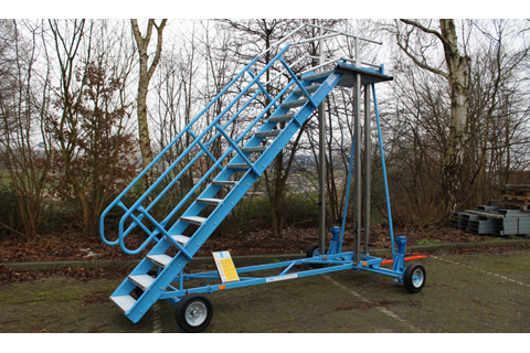 Fixed Height Stand with Flexible Railing System - High Speed/ Air Freight
